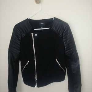 Forever 21 casual black jacket